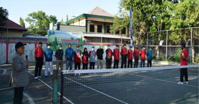 PA Giri Menang ikuti Turnamen Tenis PTWP Pengadilan Agama Sepulau Sumbawa.